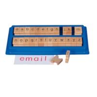 Letterstempels in kunststof doos