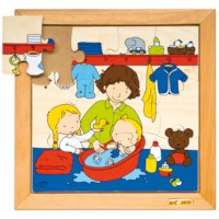 Baby puzzle - taking a bath